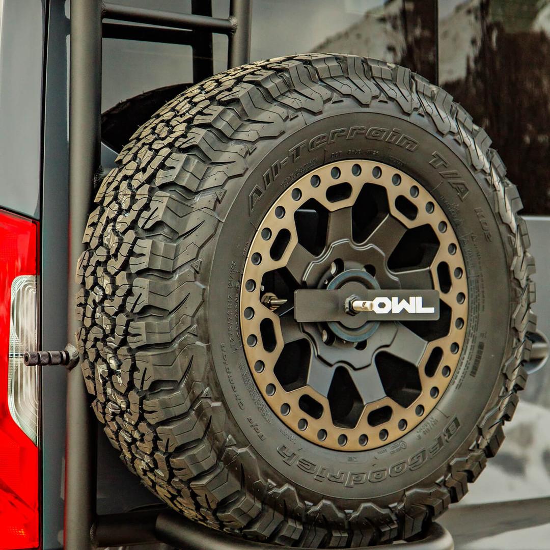 Rear Spare Tire/Wheel Mount