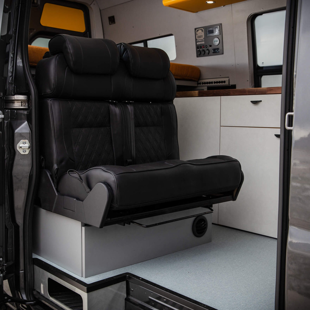 OHV 2-seat Sleeper Bed