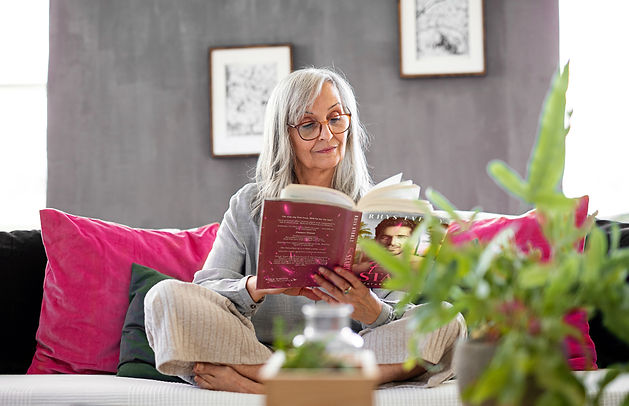 Reading Lady.jpg