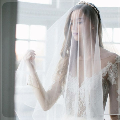 WEDDING VEILS & ACCS