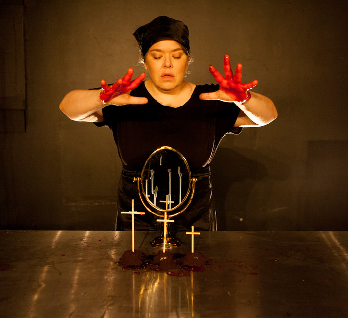 Sapientia in Contemporary Theatre Review