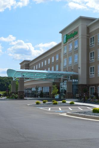Holiday Inn Entrance
