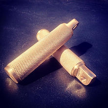 brass knurled chopper pegs cycle parts machinig