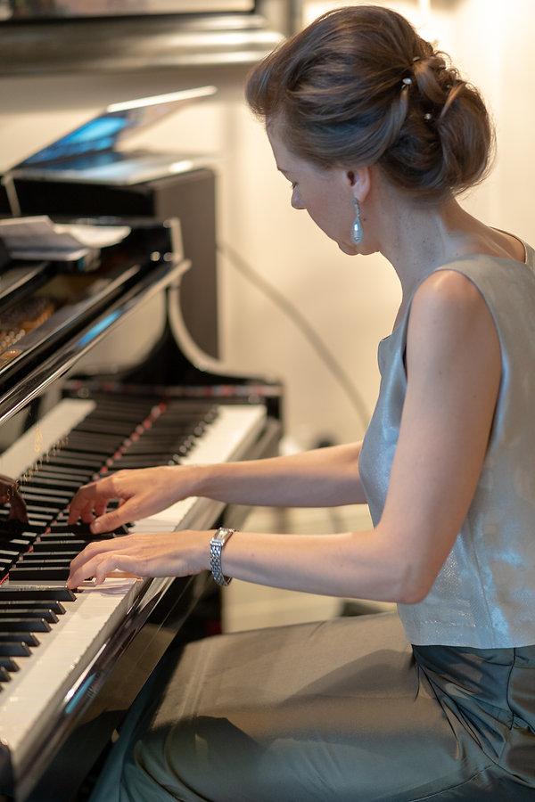 Bakes Amanda Piano Warm-up.JPG