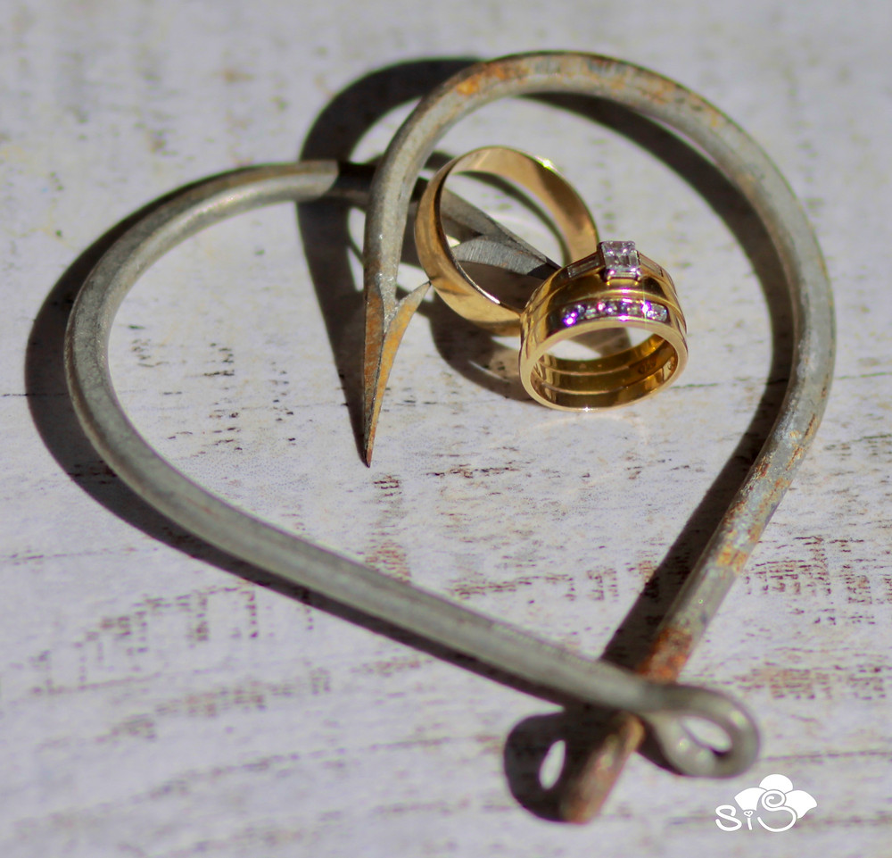 wedding bands and fish hooks, getting hooked on your wedding day