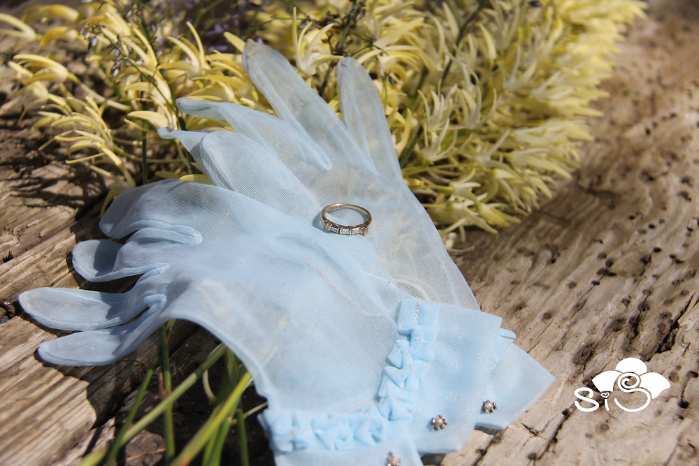 tradition of something old and blue for your wedding