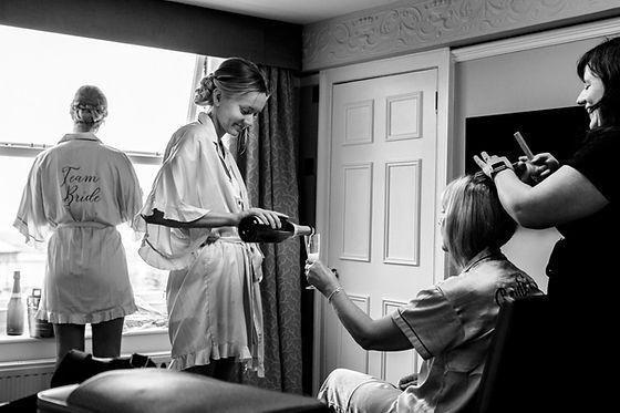 bridal-hair-stylist-makeup-artist-weddin