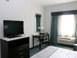 1-king-bed-room2.jpg