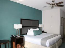 1-king-bed-room.jpg