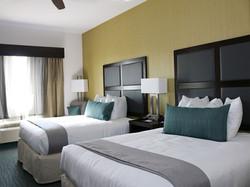 2-queen-bed-room2.jpg