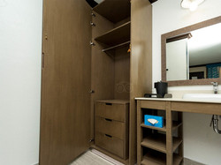 standard-kng-room--v14806206.jpg