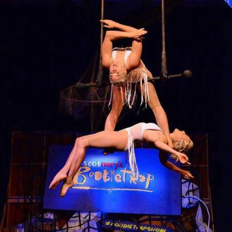Trapeze Duo act