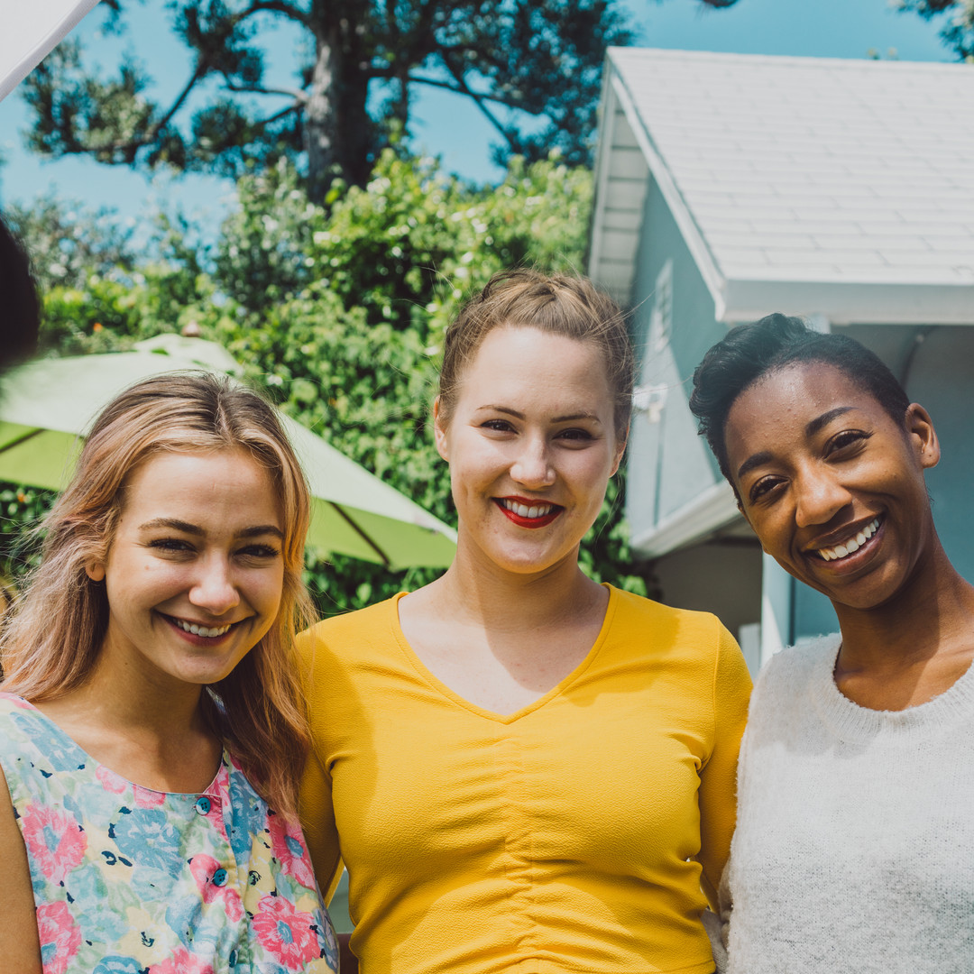 Molly Grotha, Isabella Bertilsson & Rae Jones