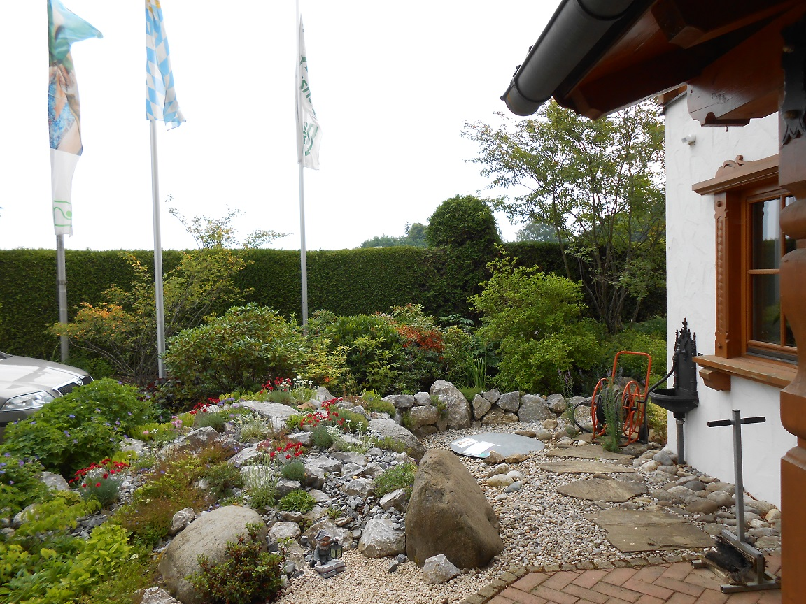 Steingarten Eingangsbereich