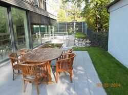 Sitzbereich mit Steingarten