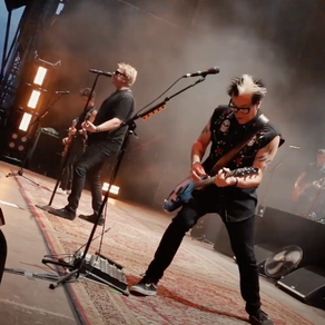 LOUDER NEWS: The Offspring are already getting festive with a new Christmas cover