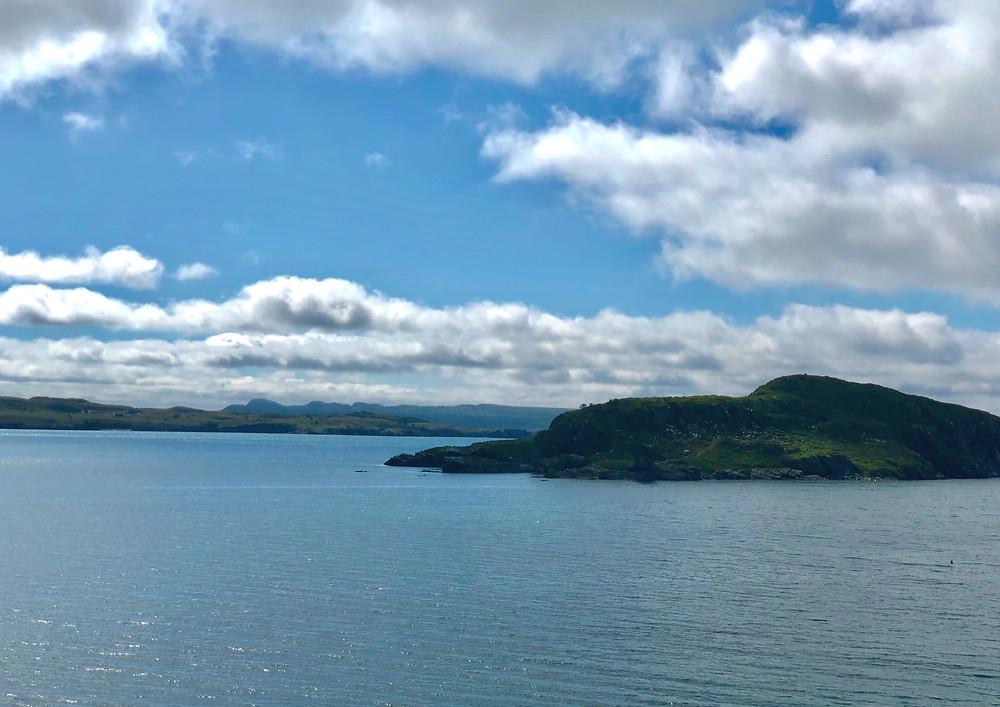 Fergus island resembles a Newfoundland Dog laying down