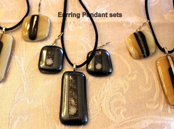 Earring Pendant set 1.jpg