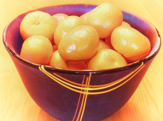 Cobalt Bowl with tangerines.jpg