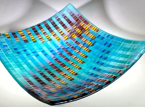 lauraframcowanzigzagplatterfusedglass11x12inches.jpg