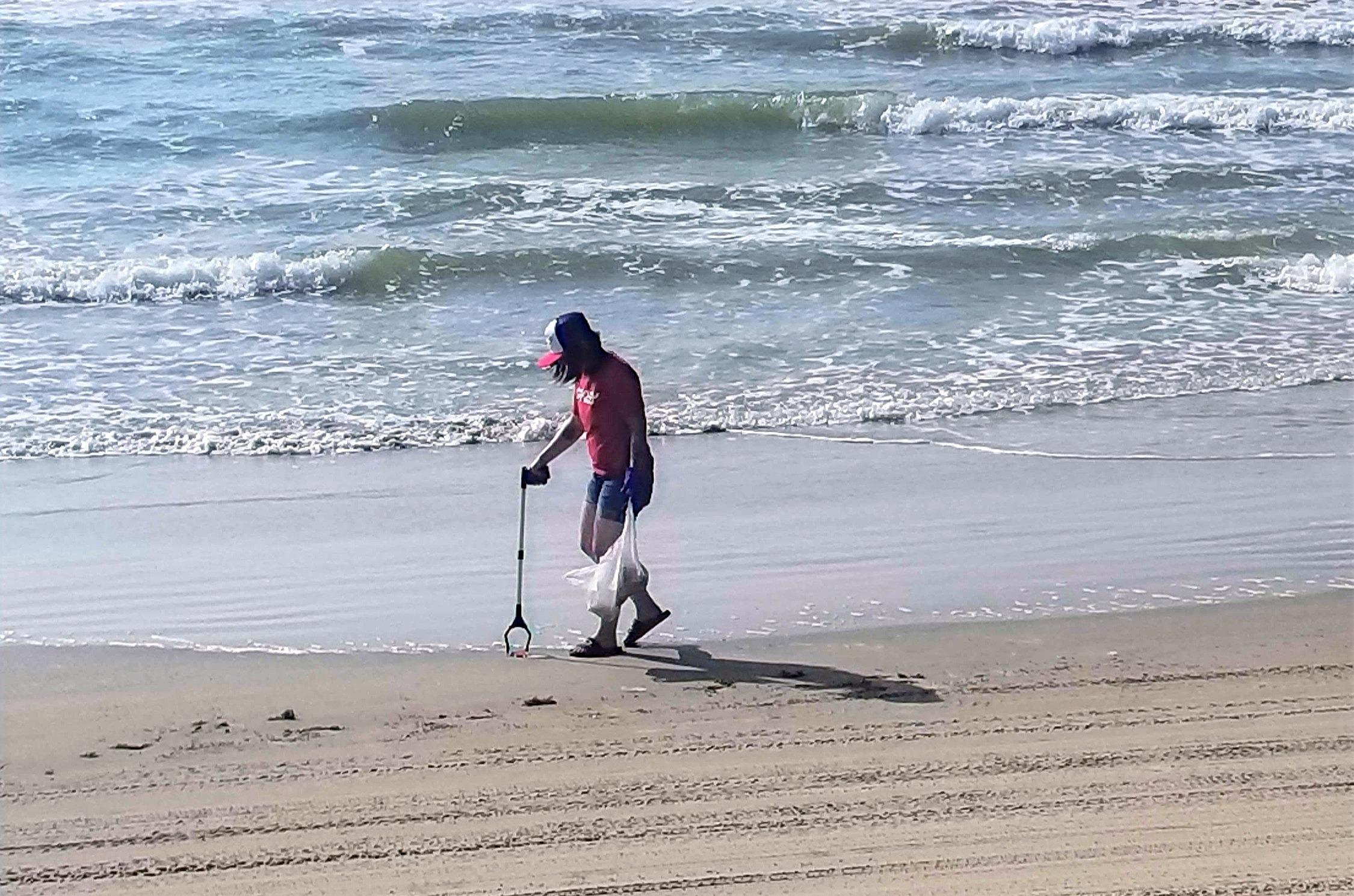 Beach%252520Cleanup%252520(Eli%252520sol