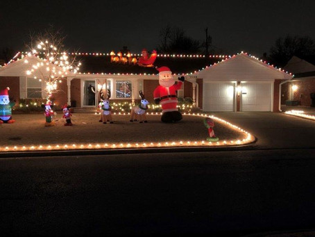 Holiday Outdoor Decorating Contest