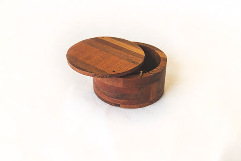 Circular treasure box
