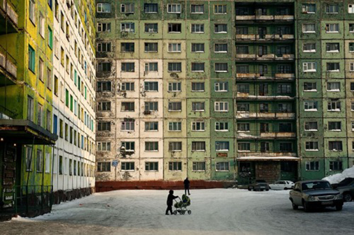 Days_of_Night_–_Nights_of_Day_-_Norilsk__Russia_-_Elena_Chernyshova.png