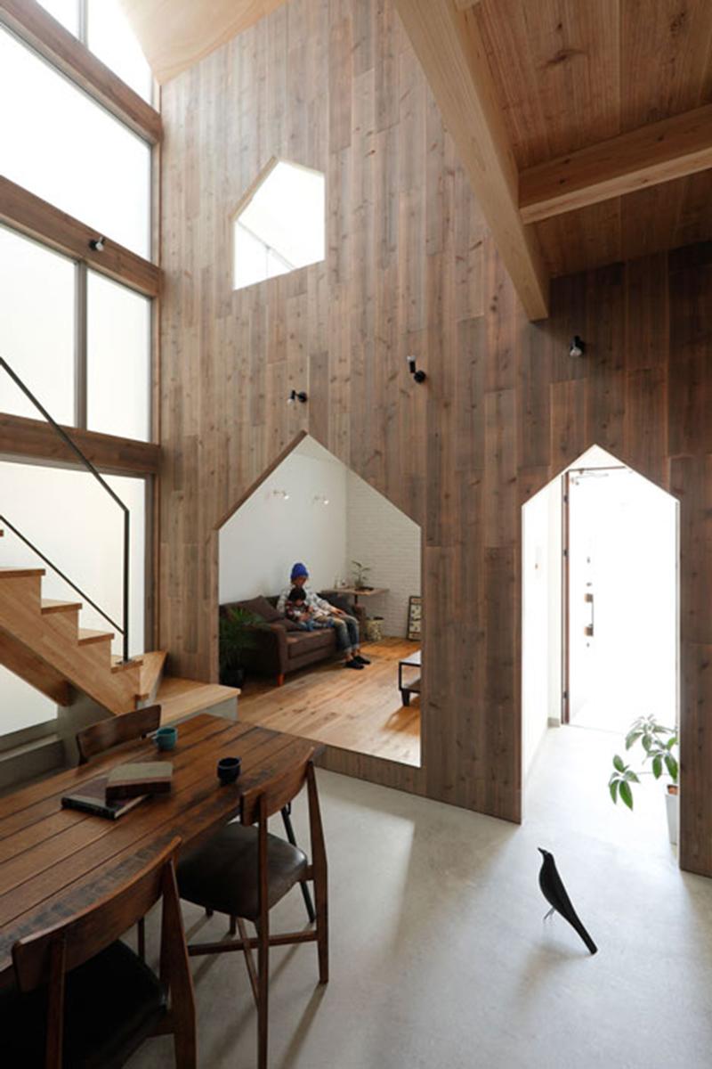 אדריכליסטית-ציפור בטוקיו