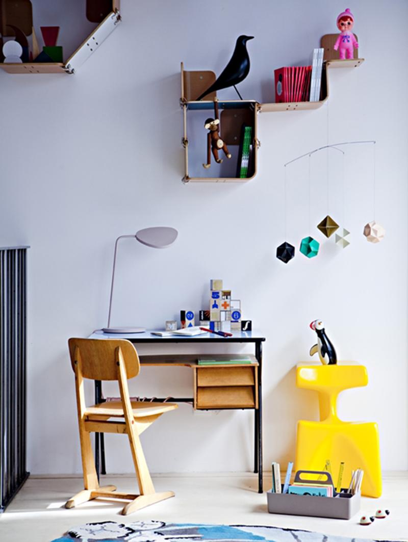 אדריכליסטית-ציפור בחדר הילדים