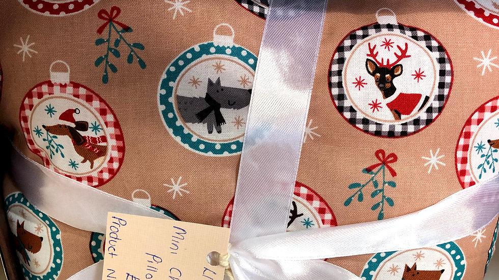 Mini Christmas Pillows