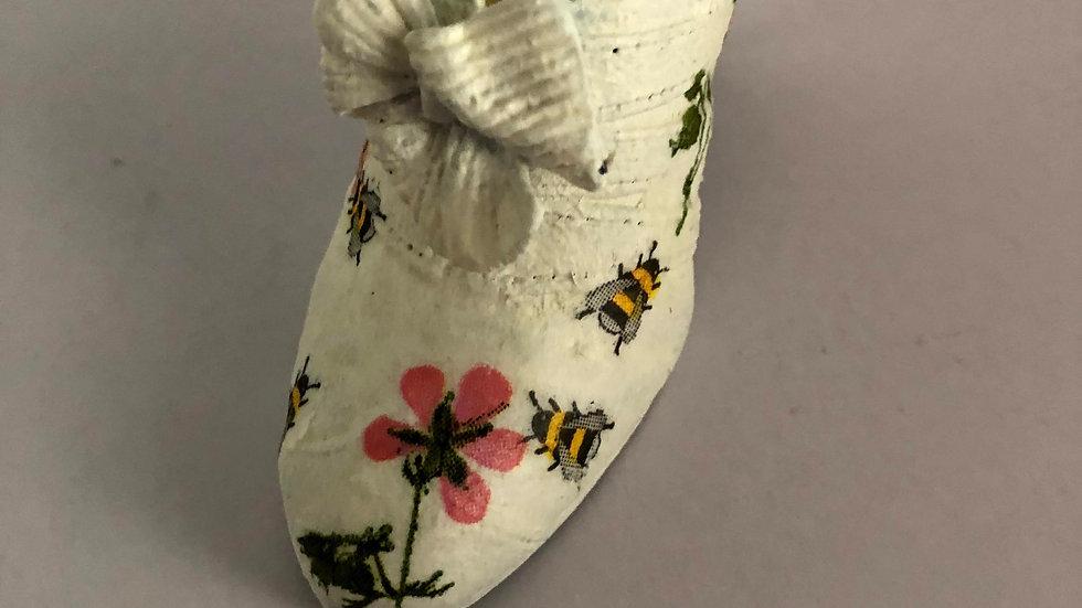 Bee Shoe