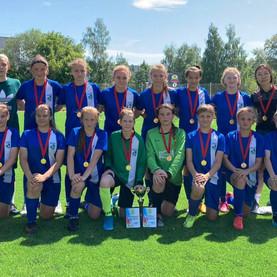 Самарские футболистки выиграли межрегиональные соревнования