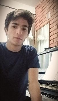 Ricardo_edited.jpg