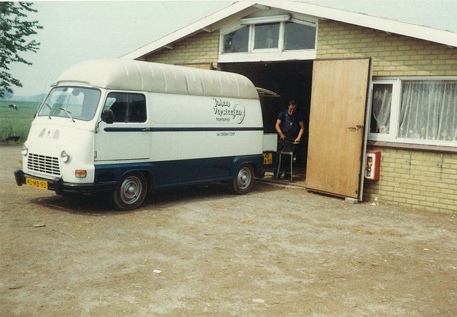 Hoefsmid Versteegen met Renault Estafette - Boleemhoeve Zevenaar 1980