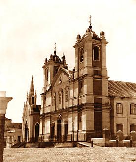 Antigra igreja Matriz e Capela do Espírito Santo