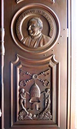 Porta com a imagem do Papa João Paulo II