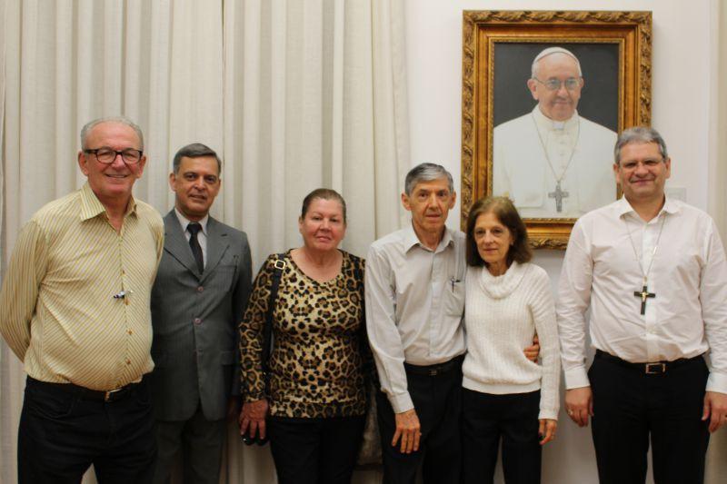 Dom Adilson (D) com os representantes arquidiocesanos da Pastoral da Sobriedade. Foto: Nelson S Pereira