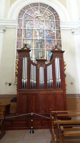 Orgão reformado recentemente