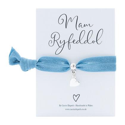 Mam Ryfeddol (Wonderful Mam) Heart Charm Blue Colourband