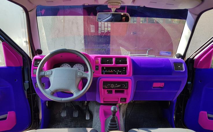 Suzuki Jimmy - flokowane wnętrze