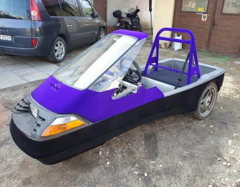 Flokowany pojazd elektryczny
