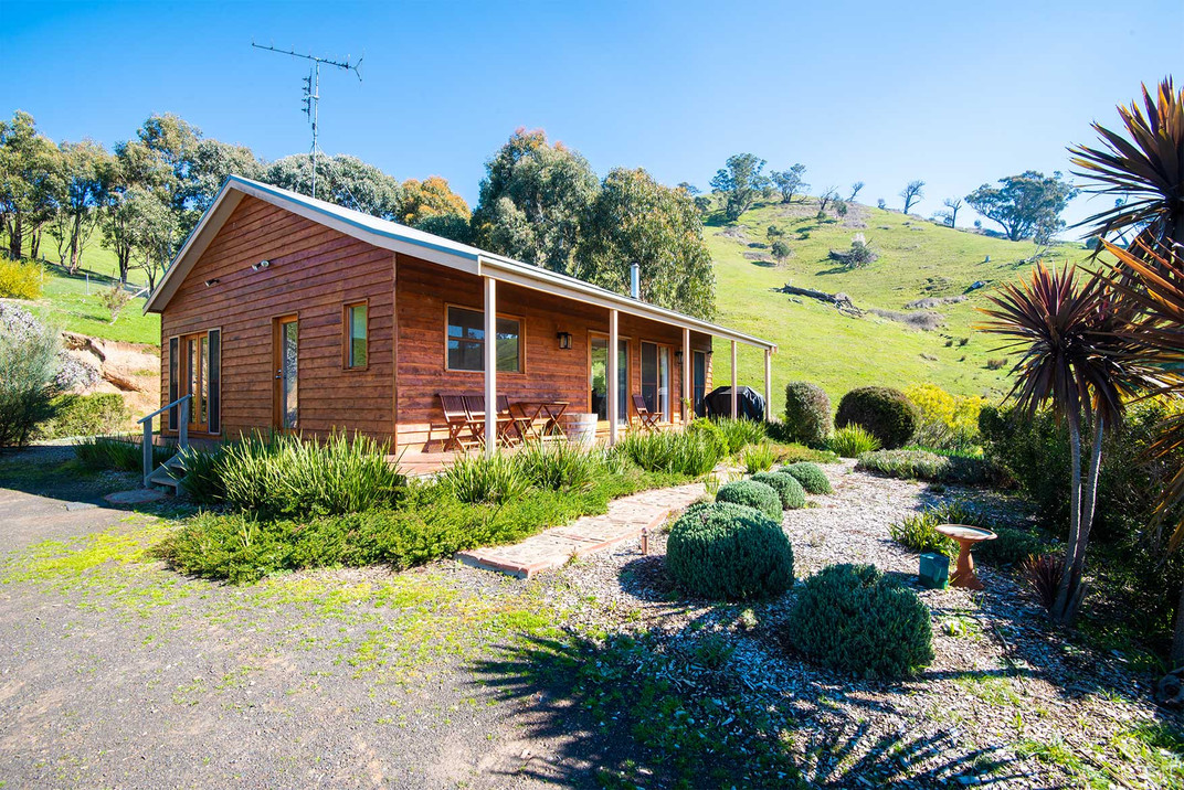 strath-valley-view-cottage-ext-2.jpg