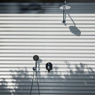 Outdoor-shower.jpg