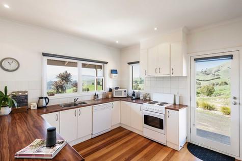 strath-valley-view-cottage_kitchen.jpg