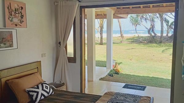 villa-single-share-room.jpg