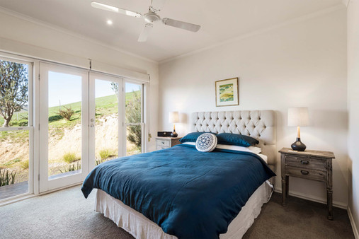 strath-valley-view-cottage_bedroom.jpg