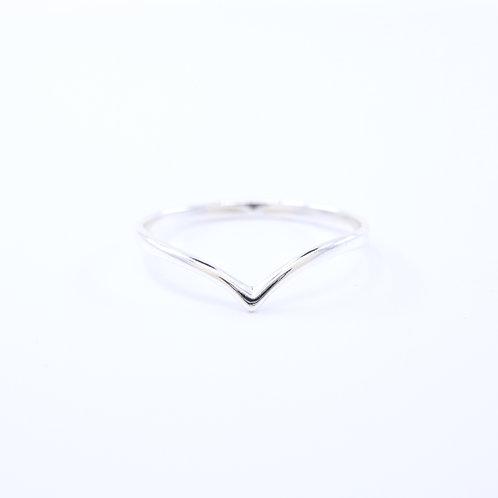 V Band Pointy Ring