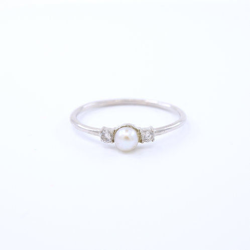 Freshwater Pearl with Cubic Zirconia Ring