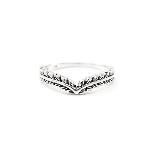 Sterling Silver Leafy Chevron Ring